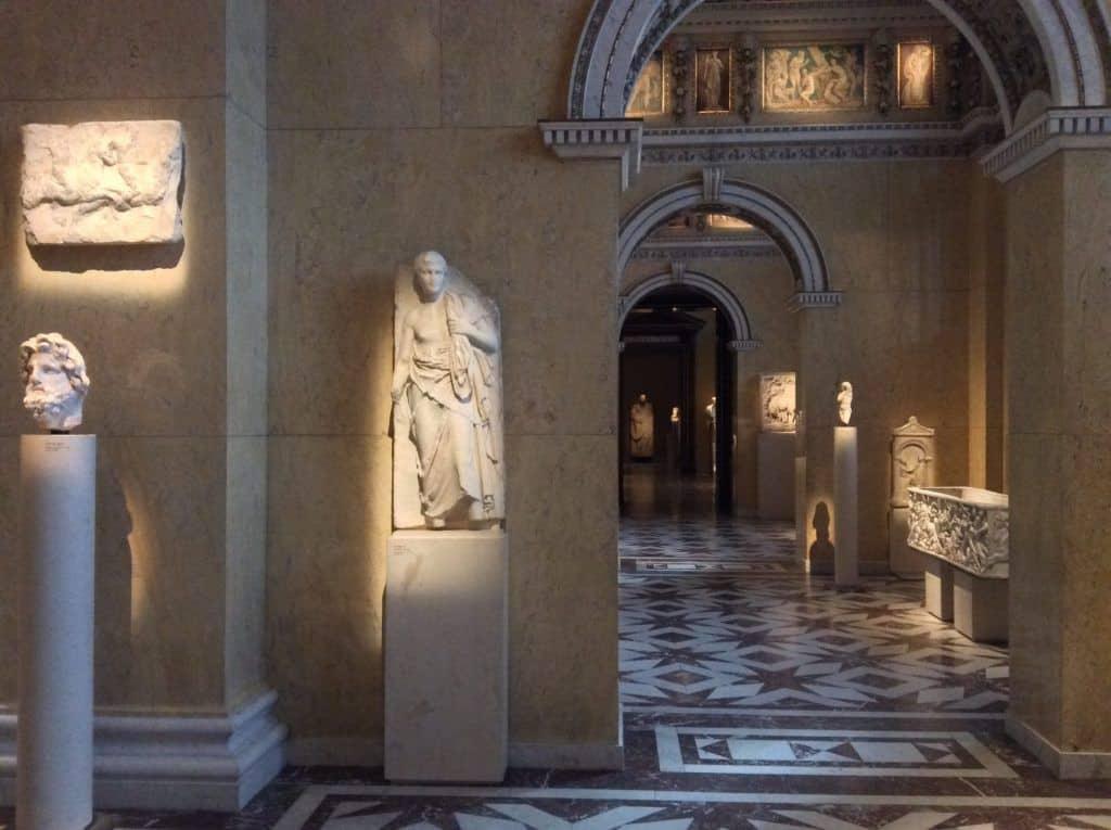 Экспозиция античного искусства в Венском Музее истории искусства. Фото Юлии Абрамовой, 2019