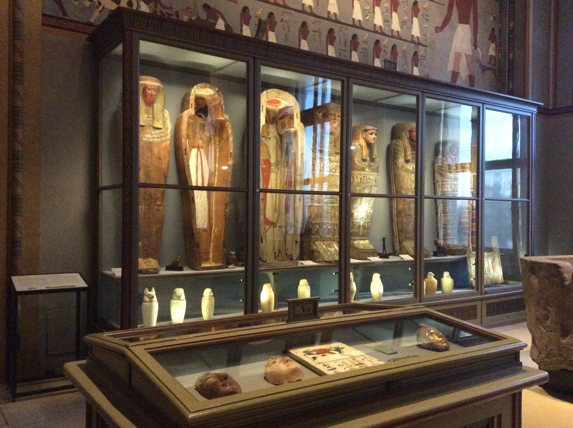 вена древний египет мумии саркофаги канопе