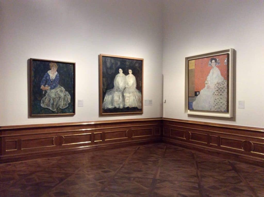 Экспозиция работ Климта в Верхнем Бельведере. Фото Юлии Абрамовой, 2019