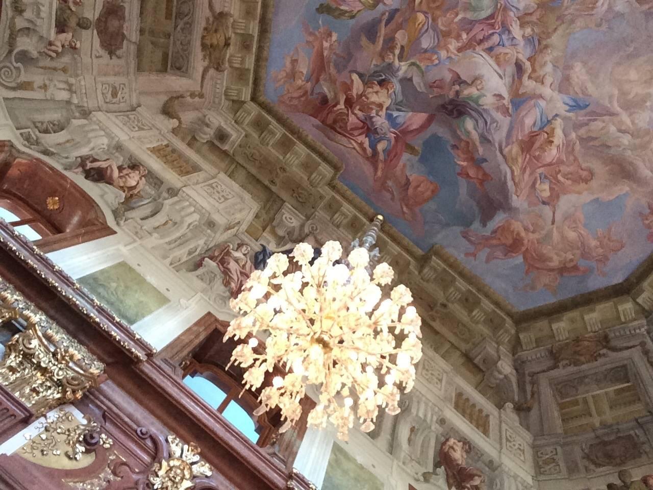 Бельведер вена мраморный зал