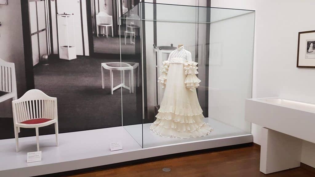 Зал работ Эмилии Флёге в Музее Леопольда: Art with me! e.U., 2019